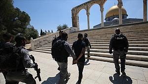 İsrail polisi Mescid-i Aksa'da Filistinlilere müdahale etti: 9 yaralı