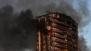 İtalya'da 15 katlı binada yangın