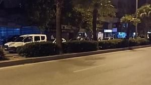 Hatay'da dur ihtarına uymayan araçtan ateş açıldı: 3'ü polis 4 yaralı
