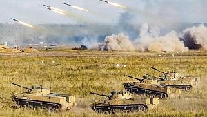 Teknolojik gövde gösterisi! Rusya sahaya akıllı askeri robot sürdü