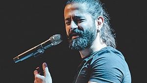 Ünlü şarkıcı Koray Avcı'nın babası vefat etti