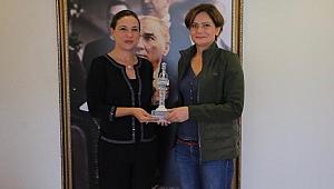 CHP'li Kaftancıoğlu'ndan Efes Selçuk'a sürpriz ziyaret