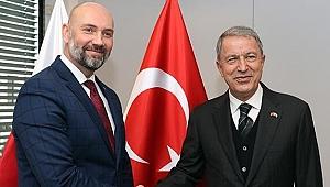 Milli Savunma Bakanı Akar'dan Polonya Silahlanma Grubu'na ziyaret